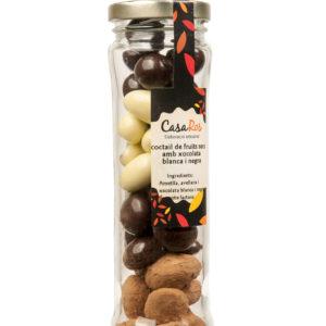 Coctail de fruits secs amb xoco blanc i negre pot llarg